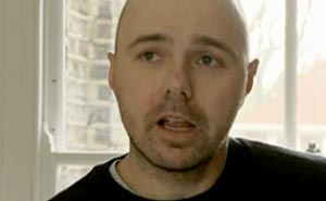 Karl Pilkington. Bild från video.