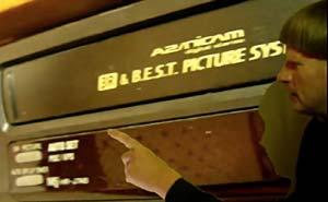 Vem har flest VHS-spelare? Bild från video