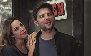 Lindsay Sloane och Adam Scott. Bild från video