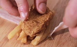 Snabbmat blir sushi. Bild från video